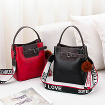 Autumn and winter on the new 2019 small bag female 2018 new tide Korean fashion wild simple shoulder messenger bag 1