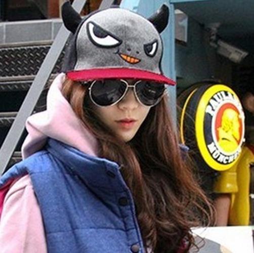 韩国代购进口naning9小恶魔犄角得意卡通灰太狼坏笑羊毛圆顶帽子商品图片