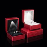 热销led发光钻戒盒求婚婚礼创意戒指盒高档绒珠宝盒项链盒批发