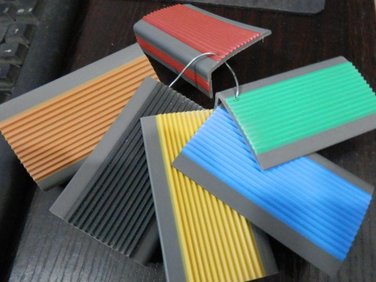纯皮包角 楼梯pvc彩色防滑止滑踏步条护角 塑胶包角直角装饰扣条商品图片