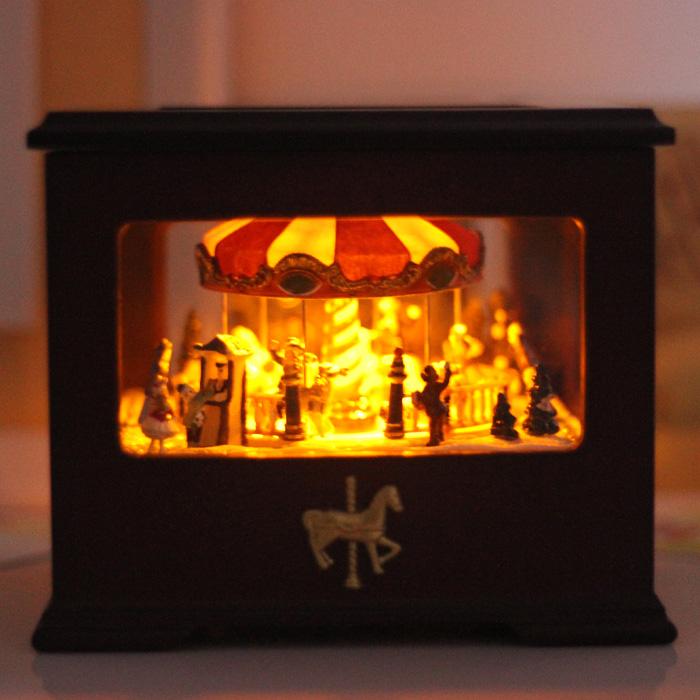 声控灯光复古木质旋转木马音乐盒八音盒创意生日礼物品送女友包邮商品