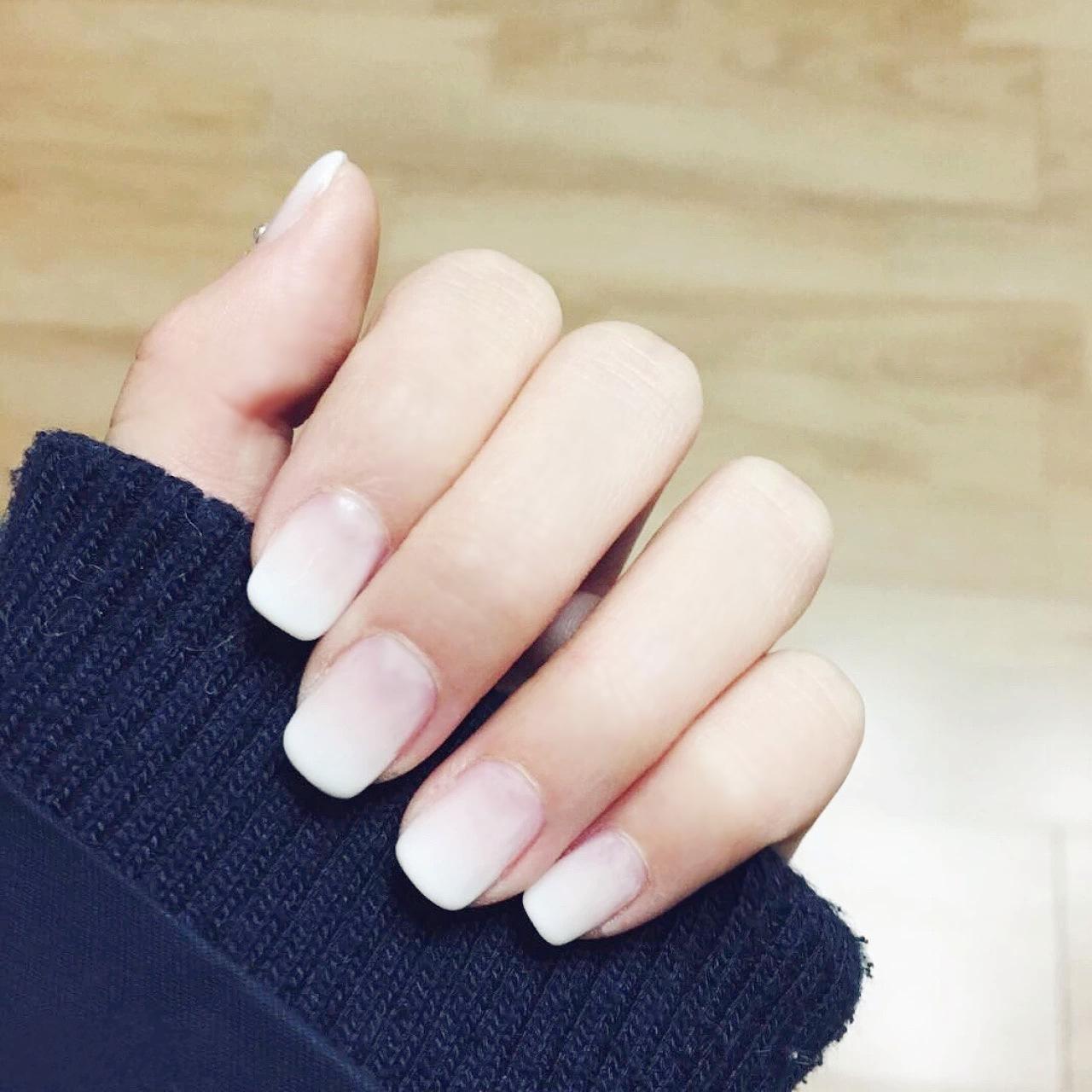 纯白色渐变中短款方头美甲成品手指甲片假指甲贴片成品24片送胶水商品图片