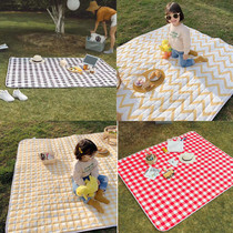 Outdoor picnic mat waterproof moisture-proof mat spring travel mat portable thick ultra-light 5-8 people can be folded picnic mats