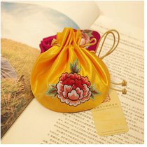 Art Ling handmade embroidery embroidery Lotus embroidery finished sachet empty bag fetal hair string storage with hand gift
