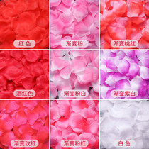 Simulated petal fake rose wedding confession scene set proposal to create a romantic wedding room bed hand-sprinkled flowers