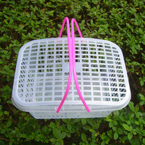 Special wholesale square Bayberry strawberry basket 4 pounds white new material portable fruit basket picking basket plastic basket with lid