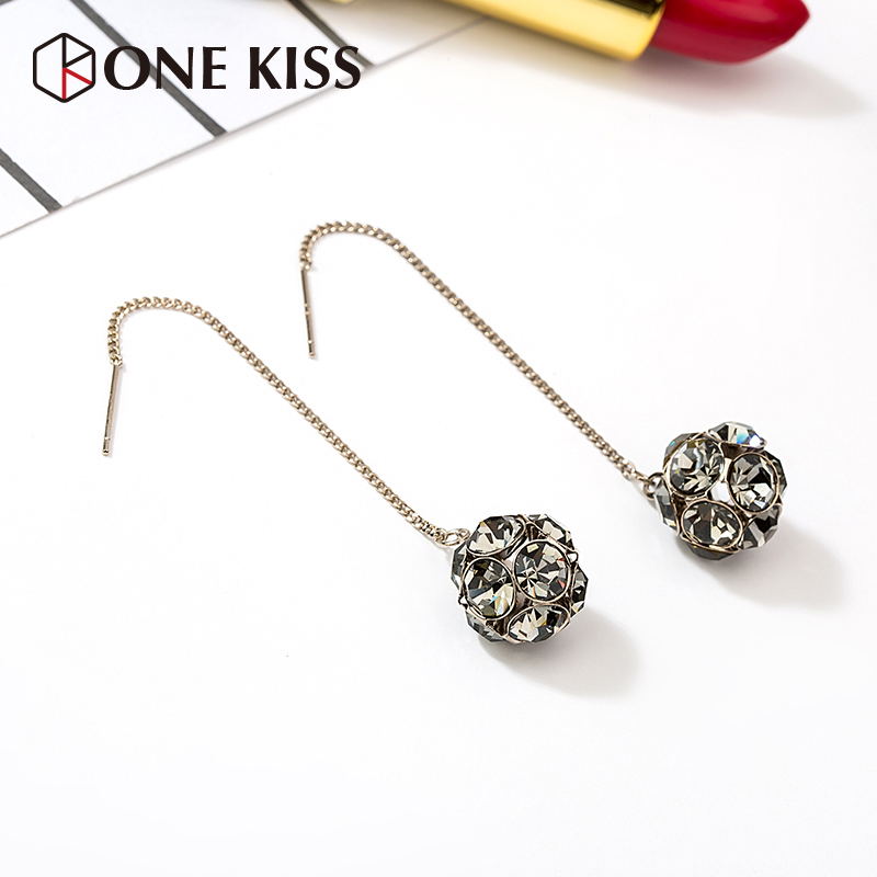 Cold wind super fairy long pendant crystal smoothie earrings earrings female temperament Korean personality simple 100-year-old hipster.