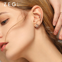 Zengliu Europe and the United States personality fashion small earrings female simple temperament Korean wild mini earrings earrings jewelry