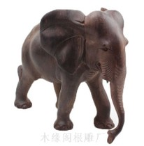 Wood carving like solid wood elephant Myanmar small leaf eucalyptus wood peace auspicious feng shui ornament selling factory direct 4110 inches.