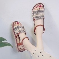 Sandals loose shoes women Korean section 2019 summer new Korean version of the soft bottom students sandals female Fairy Wind flat beach