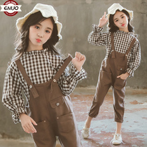 Childrens clothing girls net red suit spring and autumn 2019 new autumn large childrens plaid shirt bib Western fashion