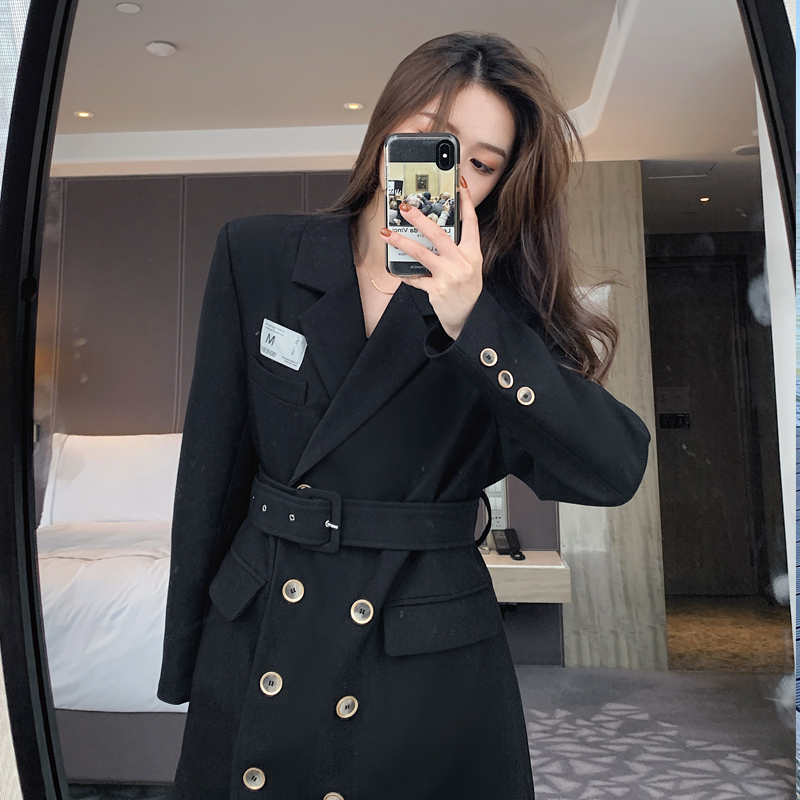 The black suit jacket womens waist belt with double-breasted belt 2021 new early spring design sense small suit